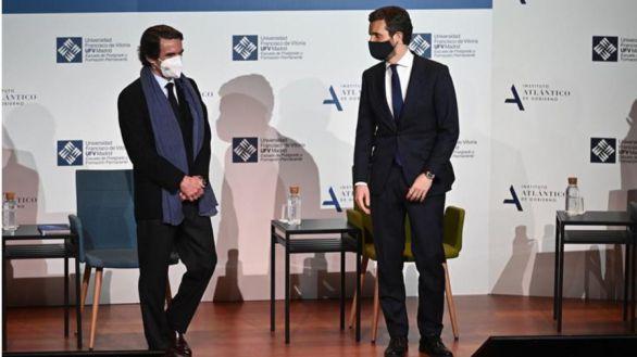 Debate entre Casado y Aznar sobre el posicionamiento político del PP