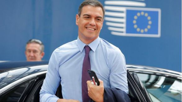 Barra libre para Sánchez: Bruselas no es partidaria de limitar déficit y deuda