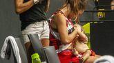 Insólito: una jugadora amamanta a su bebé en pleno partido de baloncesto