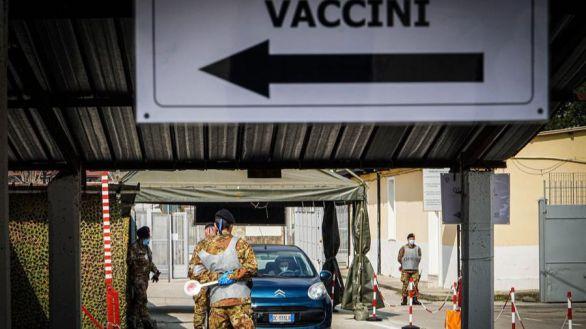 Italia, primer país europeo que prohíbe la exportación de vacunas