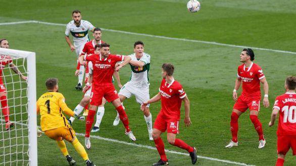 El Sevilla paga la debacle copera en Elche | 2-1