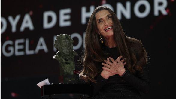 Ángela Molina recuerda a su padre al recibir el Goya de Honor