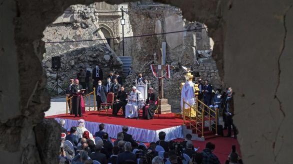 Mutitudinaria misa del Papa en Iraq en su viaje más peligroso