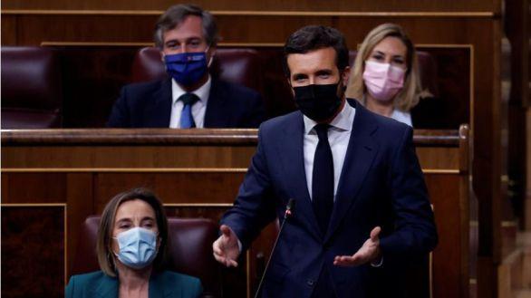 Casado exige a Sánchez que destituya a Iglesias por su apoyo a Puigdemont