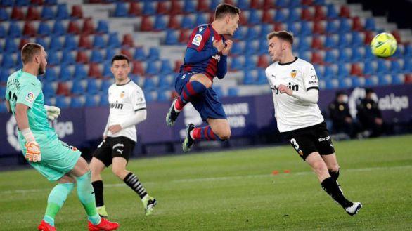 El Levante se lleva el derbi ante un decepcionante Valencia |1-0