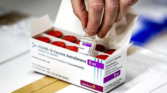 Alemania, Italia y Francia suspenden la vacunación con AstraZeneca