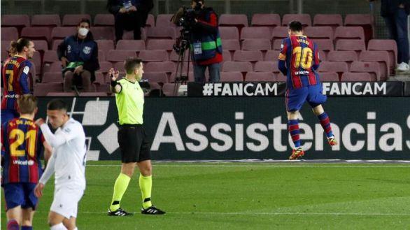 Messi somete al Huesca con un muestrario de sendas obras de arte |4-1