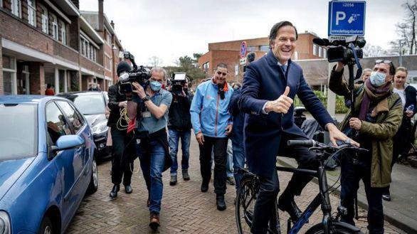 Rutte confirma su victoria electoral con el 63% de votos escrutados