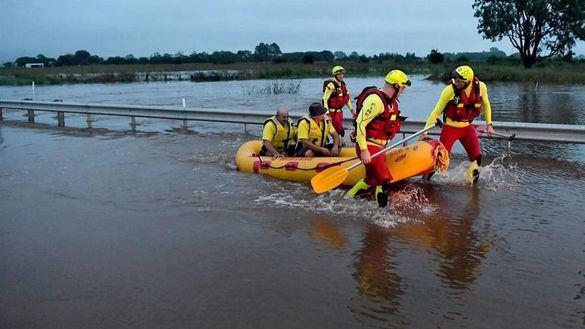 El ejército se une a las tareas de rescate por las inundaciones en Australia