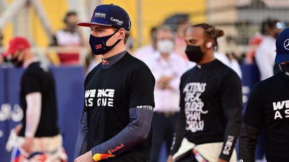 GP de Baréin. Hamilton sobrevive a Verstappen y Alonso paga la novatada