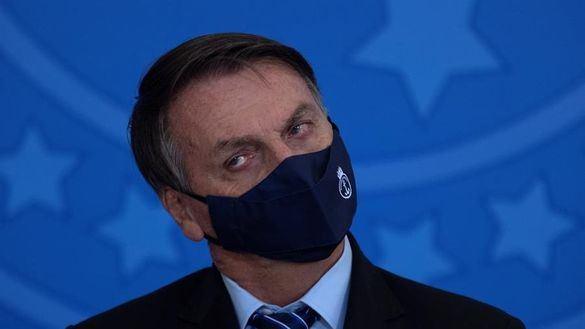Bolsonaro pierde a los ministros de Exteriores y Defensa en plena crisis por la pandemia