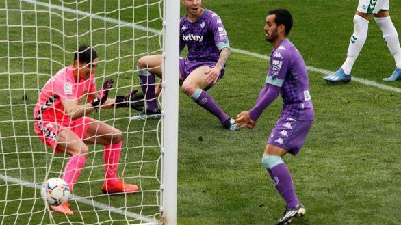 El Betis también tropieza en Elche | 1-1