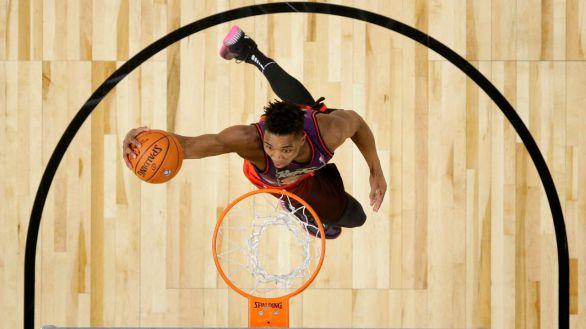 NBA. Mitchell llegó a despedirse de sus padres en el accidente de avión de los Jazz