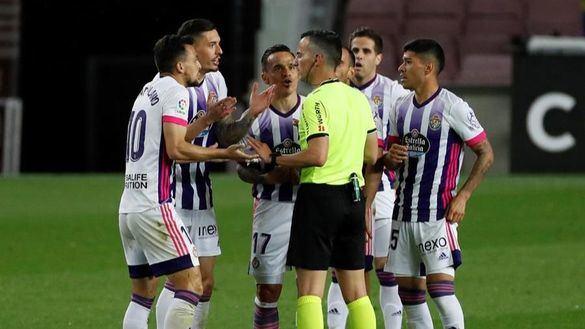 Dembèlè y el VAR evitan el sonrojo de un Barcelona que acepta el regalo 'atlético' | 1-0