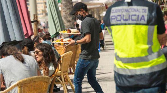 El paro baja en casi 60.000 personas por la relajación de las medidas antiCovid