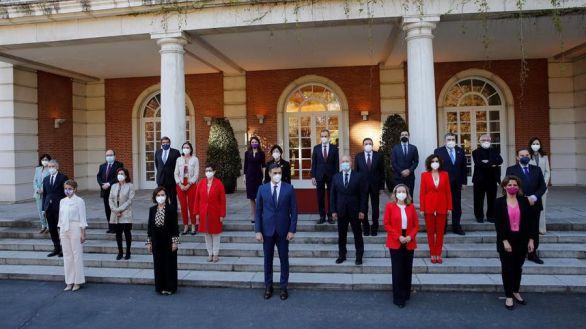 Nueva foto de familia en Moncloa: segunda remodelación del Gobierno de coalición