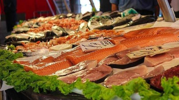 Consumir pescado azul, clave para las personas con riesgo de padecer Alzheimer