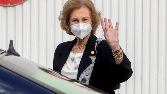 La Reina Sofía recibe la segunda dosis de la vacuna contra el coronavirus