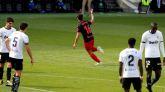 El orgullo del Valencia baja de la nube a la Real Sociedad | 2-2