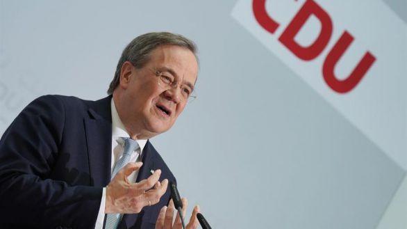 La CDU de Merkel respalda la candidatura del centrista Armin Laschet