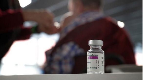 Alemania y Francia pondrán otra vacuna a los que recibieron la primera dosis de AstraZeneca