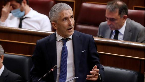 Marlaska dice que no dimite porque está para devolver la 'dignidad' a Interior