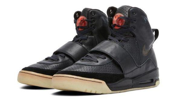 Unas zapatillas de Kanye West, vendidas por el precio récord de 1,8 millones de dólares