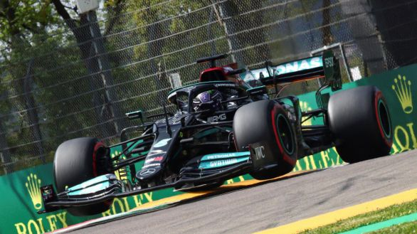 F1. Pole apretada para Hamilton; Sainz y Alonso, ko en la Q2