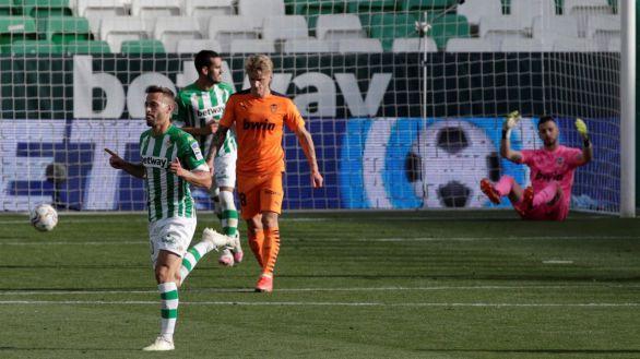 El Betis no puede con el Valencia en su carrera europea |2-2