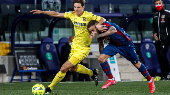El Villarreal asalta la quinta plaza con una goleada en casa del Levante |1-5