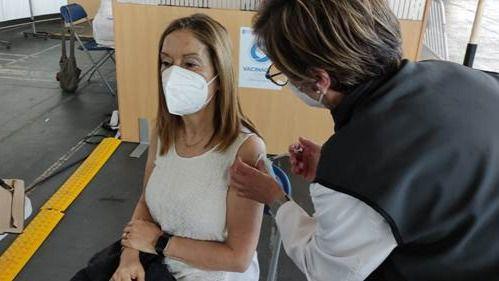 Ana Pastor lanza un mensaje de tranquilidad tras recibir la vacuna de AstraZeneca: