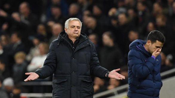 El Tottenham despide a Mourinho un año y medio después de llegar al banquillo