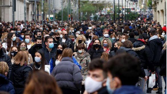 La población inscrita en España en el padrón disminuye en 106.146 personas durante 2020