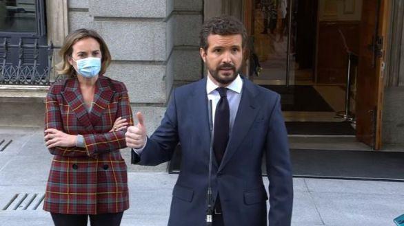 Casado urge a Sánchez a