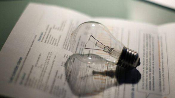 El precio de la luz en abril, un 60% más caro que en los últimos ocho años