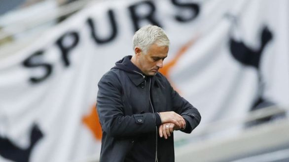 Cuando despedir a Jose Mourinho se convierte en deporte de riesgo