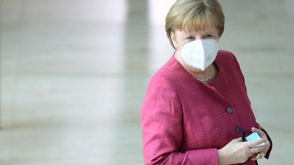 Merkel negocia comprar por su cuenta 30 millones de dosis de la vacuna de Putin