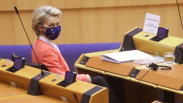 El 'sofagate' vuelve a la Eurocámara: '¿Habría pasado si hubiera llevado traje y corbata?'
