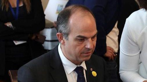 Turull urge al Gobierno a decidir