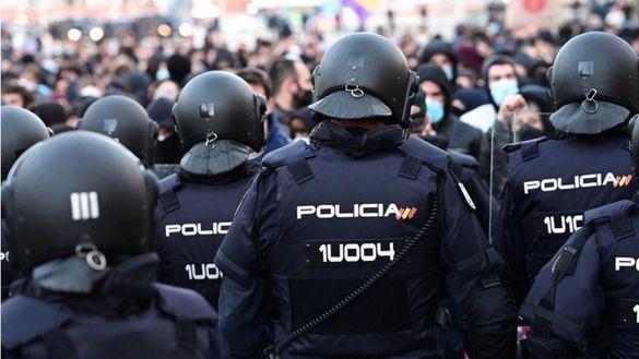 Cataluña vacuna ya con Moderna a Guardia Civil y Policía
