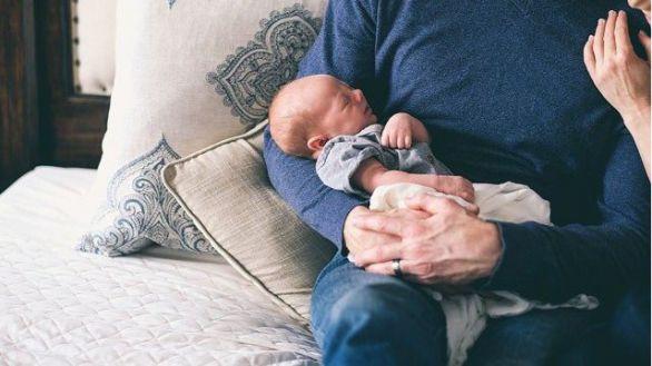 Bajo riesgo de infección en bebés nacidos de madres con Covid-19