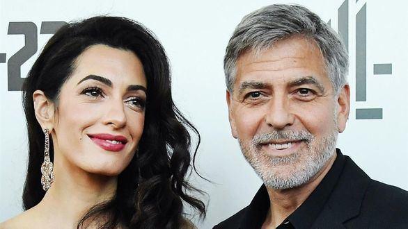 George Clooney llega a los 60 años como padre responsable y sin perder atractivo