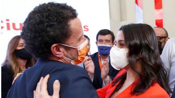 Arrimadas descarta dimitir tras la debacle en Madrid y premia a Bal con una vicesecretaría