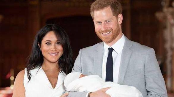La Reina Isabel II felicita a su bisnieto Archie por su segundo cumpleaños