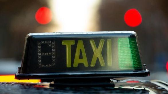 Los taxistas de Madrid no podrán vestir con estampados y los usuarios conocerán antes el precio del trayecto