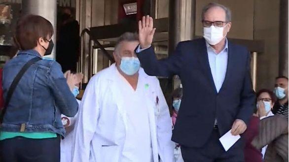 Ángel Gabilondo recibe el alta hospitalaria tras recuperarse de una arritmia cardíaca