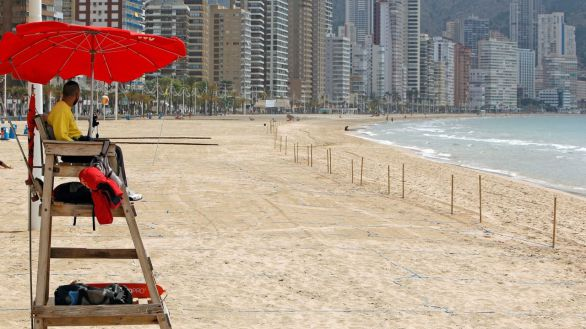 Reino Unido deja a España fuera de su 'lista verde' de destinos para viajar de forma segura