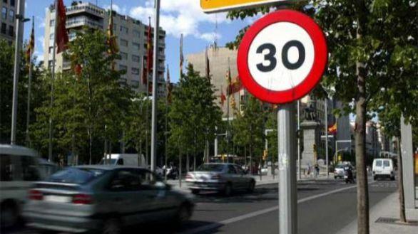 En siete de cada diez calles no se podrá circular a más de 30 km/h desde este martes