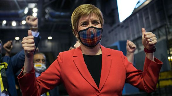 Sturgeon gana con claridad en Escocia y avisa que buscará un nuevo referéndum de independencia