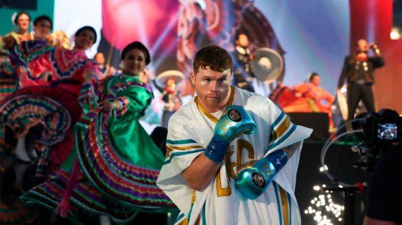Boxeo. 'Canelo' Álvarez rompe al guerrero Saunders y prosigue su senda histórica
